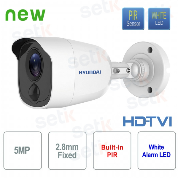 Hyundai 5 MP HDTVI Bullet 2.8 mm video surveillance camera with integrated PIR